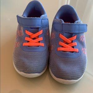 Nike size 9 sneakers
